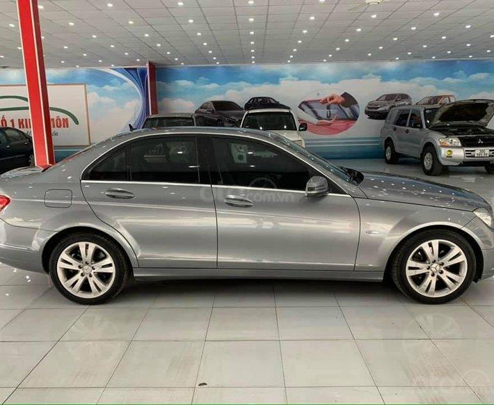 Cần bán xe Mercedes C200 2010, màu xám số tự động giá cạnh tranh0