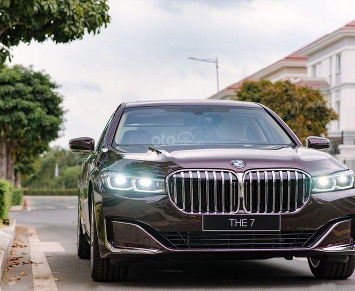 BMW 7 Series đẳng cấp, sang trọng, nhiều màu sắc, có xe giao ngay0