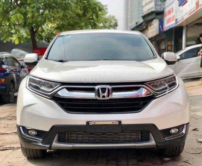 Cần bán gấp Honda CR V năm sản xuất 2018, màu trắng, 800 triệu0