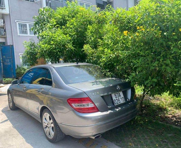 Bán Mercedes đời 2010, màu xám số tự động, giá chỉ 395 triệu0
