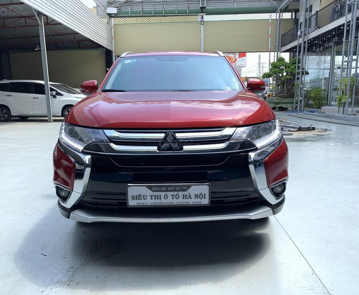 Bán xe Mitsubishi Outlander năm sản xuất 2019, màu đỏ, đi 35.000km, xe có trả góp0