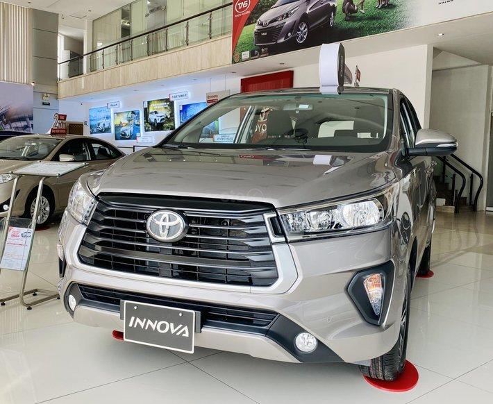 Toyota Innova mới 2021 giao ngay giá iu thương tại Q12 TP HCM0