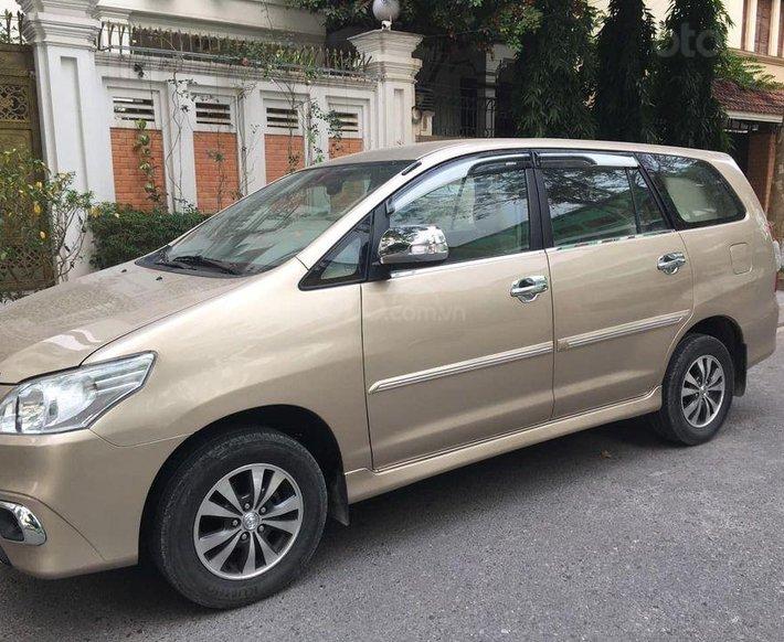 Bán Toyota Innova đời 2015, màu vàng0