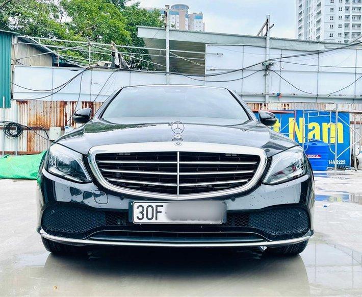 Mercedes C200 Exclusive 2018 đen/kem xe đẹp giá rẻ0