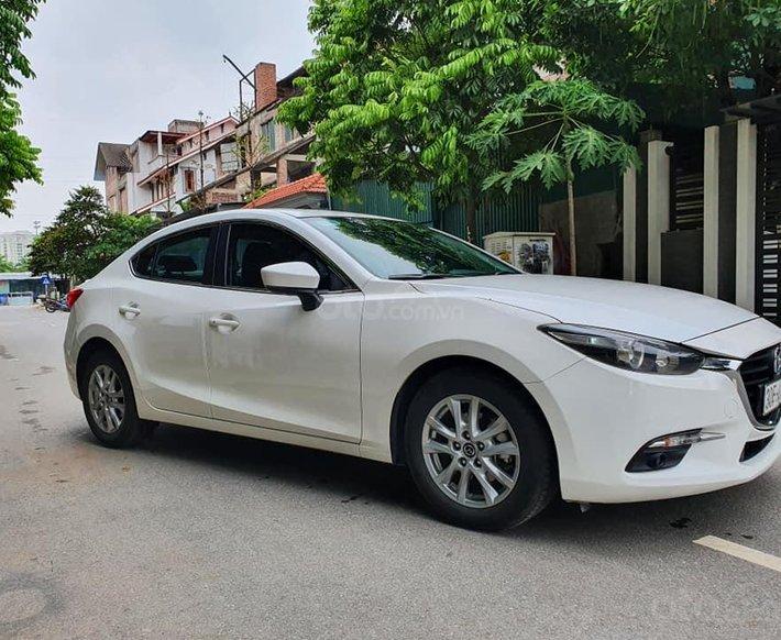 Xe Hyundai Elantra Sport đời 2019, màu trắng xe gia đình, giá 682tr0