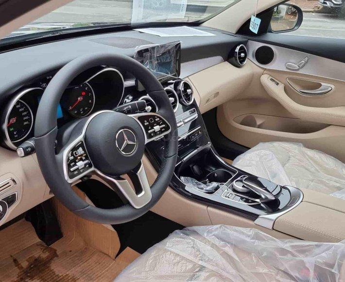 Mercedes C180 AMG khuyến mãi cực tốt miền Nam- xe có sẵn- đủ màu- giao ngay5