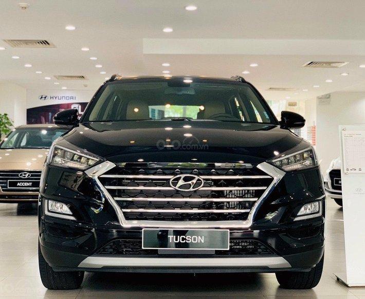 Hyundai Tucson 2021 ưu đãi mùa dịch, giảm 50% BHVC, tặng voucher 5tr, full phụ kiện, nợ xấu trả góp 80%, xe sẵn, đủ màu0