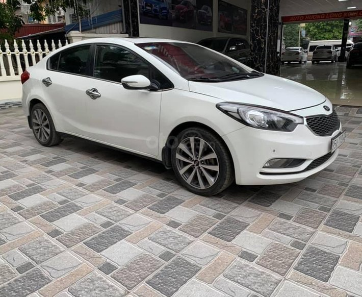 Bán xe Kia K3 1.6 đời 2014, màu trắng, giá chỉ 442 triệu0