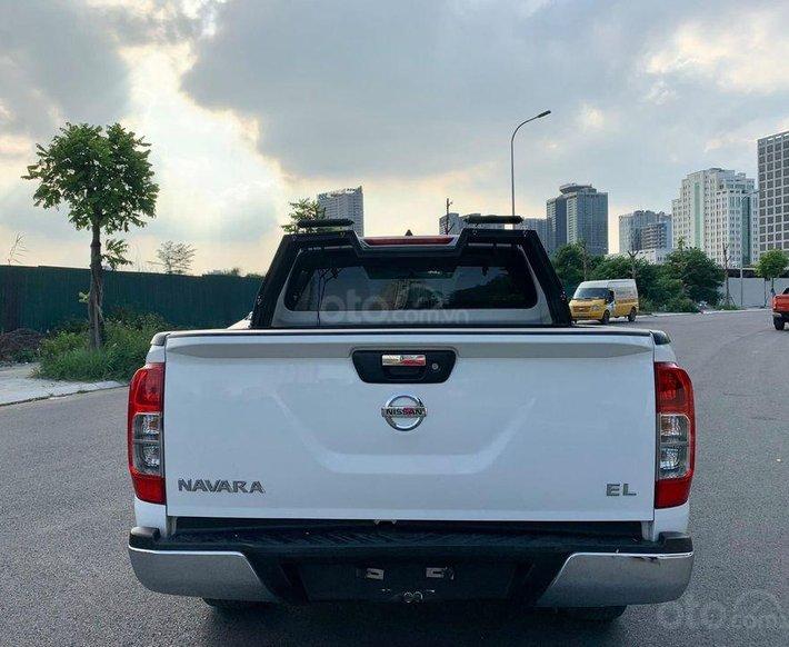 Cần bán lại xe Nissan Navara Premium sản xuất năm 2017, màu trắng0