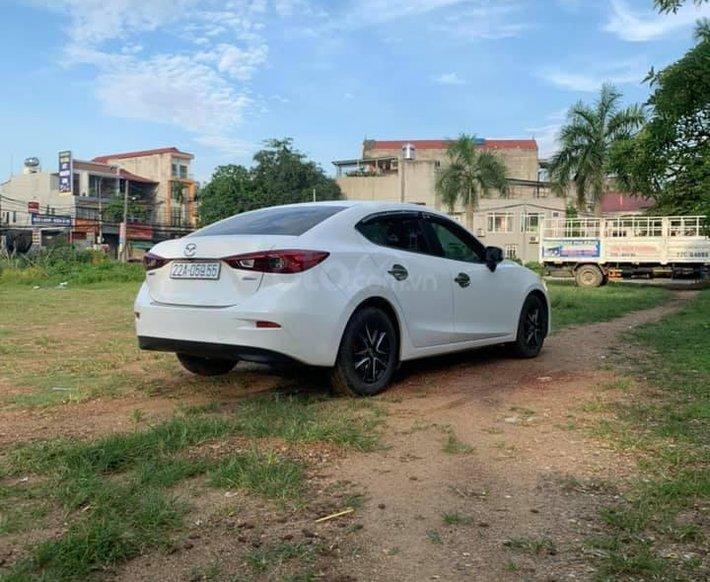 Bán ô tô Mazda 3 AT  sản xuất năm 2016, màu trắng0