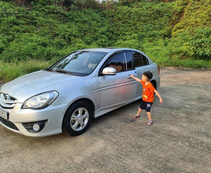Bán Hyundai Verna sản xuất năm 2009, màu bạc giá cạnh tranh0