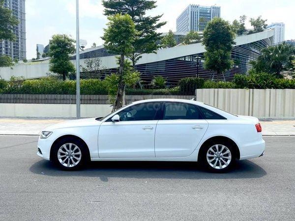 Xe Audi A6 sản xuất 2015, màu trắng như mới0