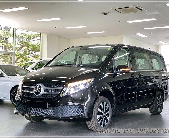 Mercedes-Benz V250 Luxury - xe gia đình 7 chỗ đầu bảng - giao ngay - hỗ trợ bank 80%0