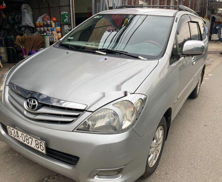 Bán Toyota Innova đời 2009, màu bạc, giá 335tr0