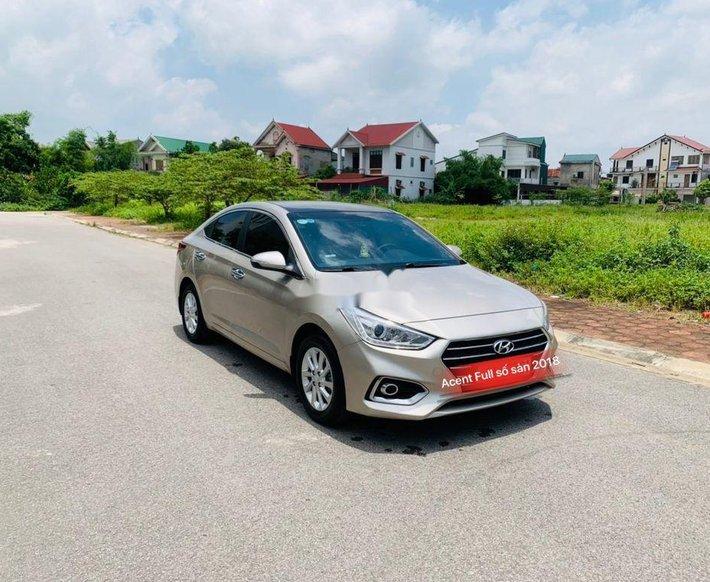 Bán Hyundai Accent đời 2018, màu vàng cát0