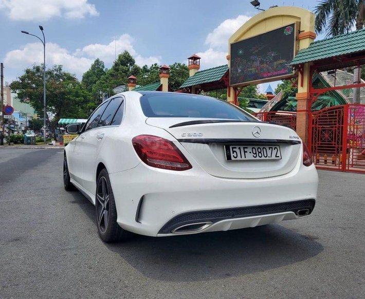 Bán Mercedes C300 sản xuất 2016, màu trắng0
