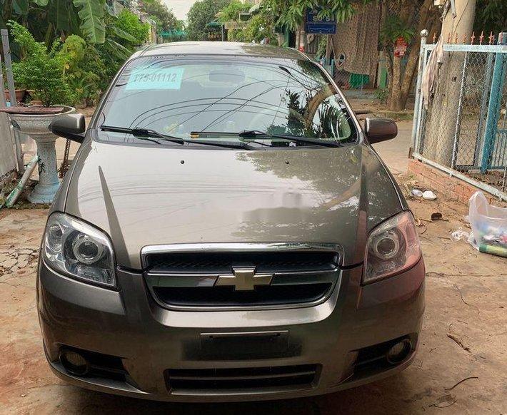 Cần bán xe Chevrolet Aveo sản xuất 2013, màu xám0