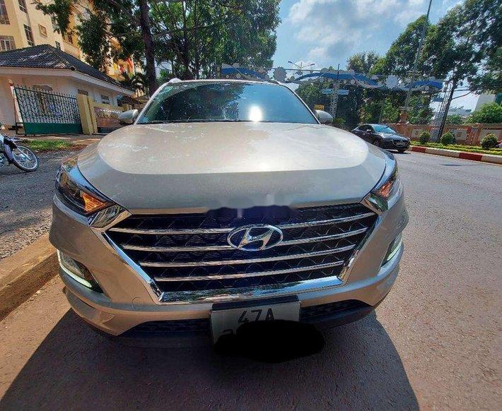 Bán xe Hyundai Tucson sản xuất năm 2021, màu bạc, xe nhập số tự động0