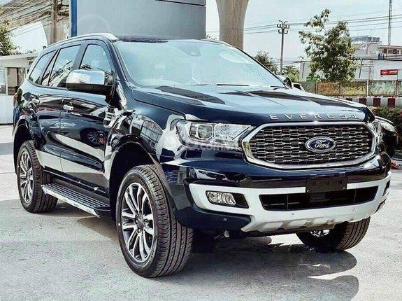Ford Everest Titanium 2021, giảm tiền mặt, đủ màu, hỗ trợ vay lên tới 85% và tặng phụ kiện đi kèm0