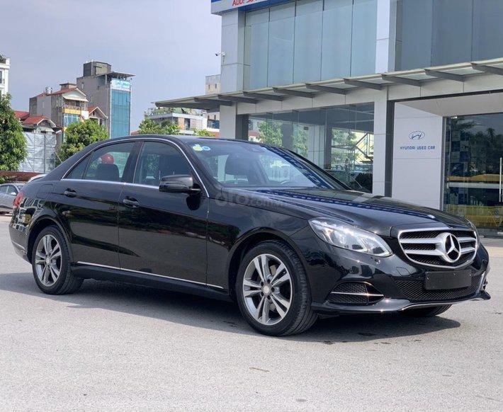 Cần bán gấp Mercedes E250 sản xuất 2014 model 20150