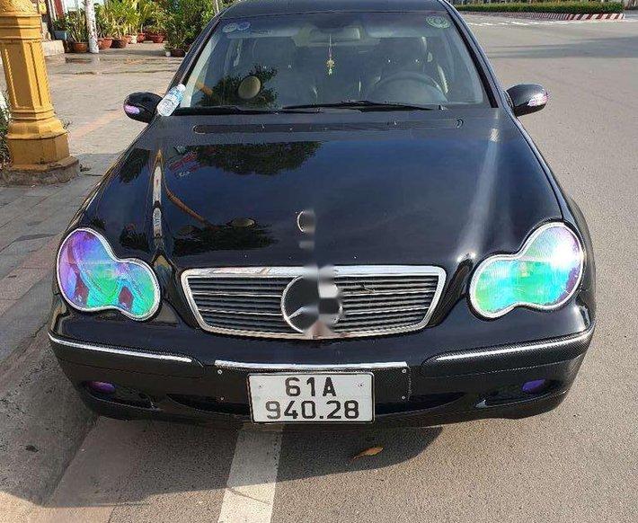 Cần bán xe Mercedes C200 sản xuất năm 2002, màu đen, xe nhập0