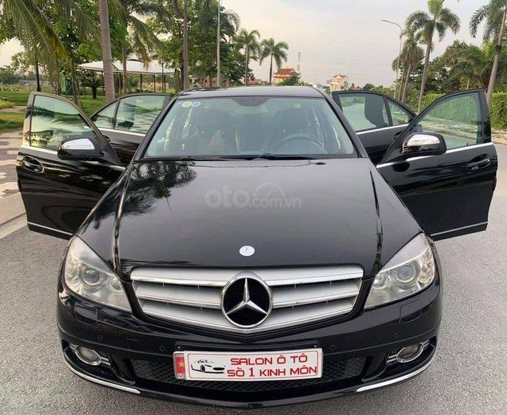 Cần bán gấp Mercedes C200 đời 2007, màu đen, 345 triệu0