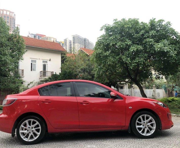 Cần bán lại xe Mazda 3 năm sản xuất 2013, 405 triệu0