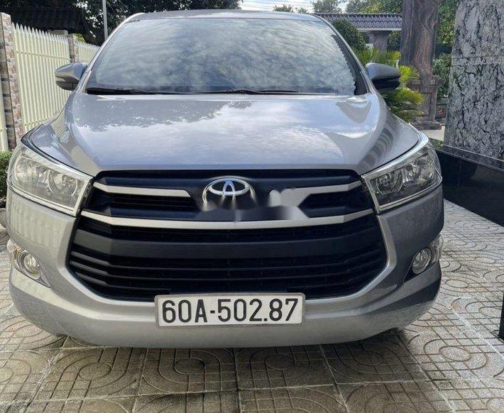 Bán xe Toyota Innova sản xuất năm 2018, màu bạc 0