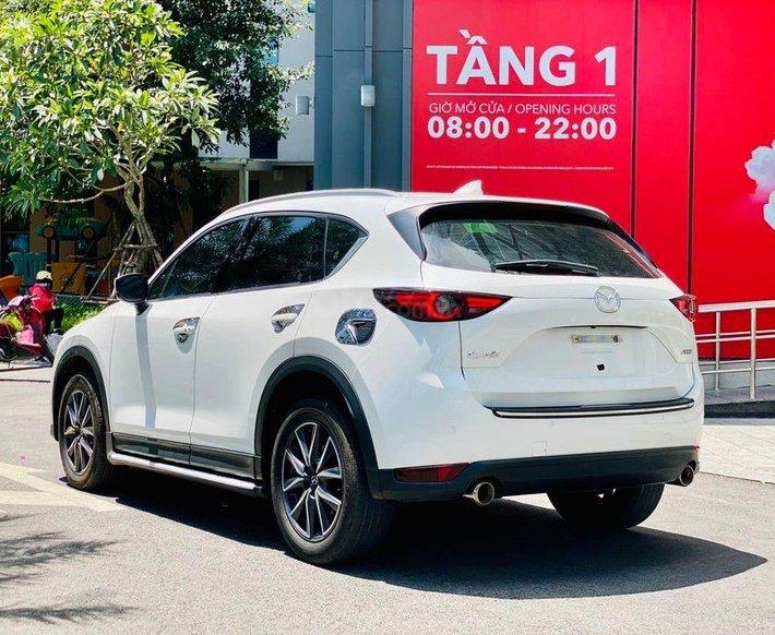 Xe Mazda CX 5 2.0 năm 2019, màu trắng0