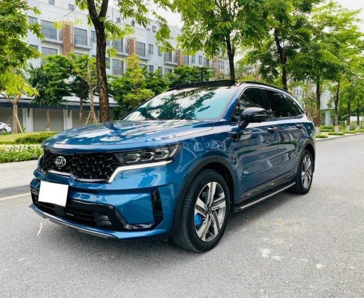 Cần bán gấp Kia Sorento sản xuất năm 2020, màu xanh lam0