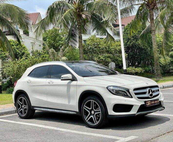 Cần bán xe Mercedes GLA 250 AMG đời 2015, màu trắng0