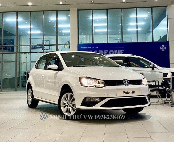 Giá xe Volkswagen Polo Hatchback 2021 màu trắng Ngọc Trinh - Đi đẹp như Ngọc Trinh luôn0