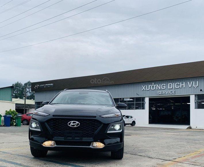 Hyundai Kona 2.0 AT giảm sâu, tặng mạnh0