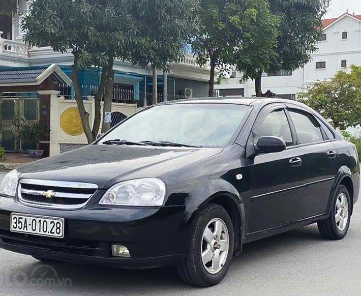 Cần bán xe Chevrolet Lacetti năm 2012, màu đen, 180 triệu0