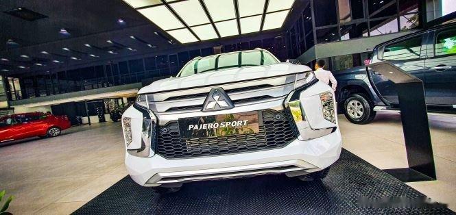 Cần bán Mitsubishi Pajero Sport sản xuất 2020, màu trắng, nhập khẩu0