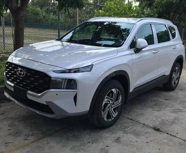 Bán xe Hyundai Santa Fe năm 2021, màu trắng0
