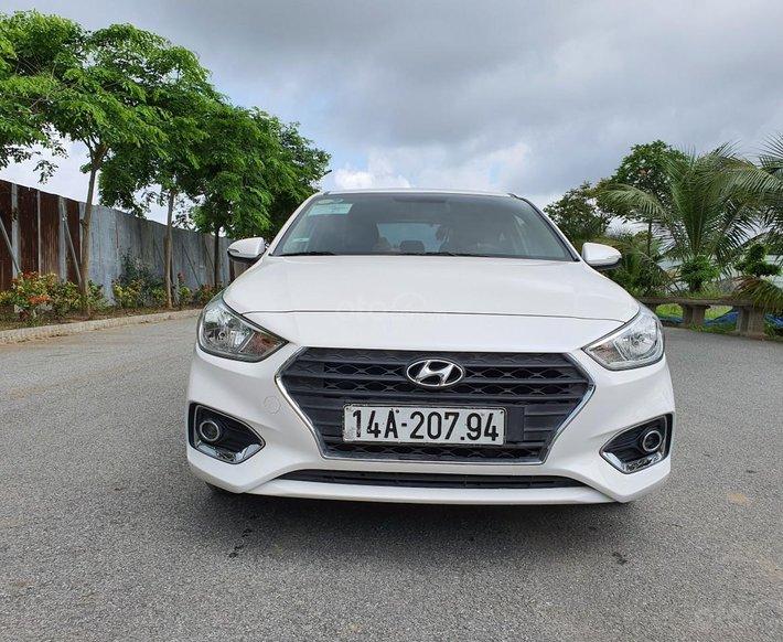 Bán xe Hyundai Accent năm 2018 giá cạnh tranh0