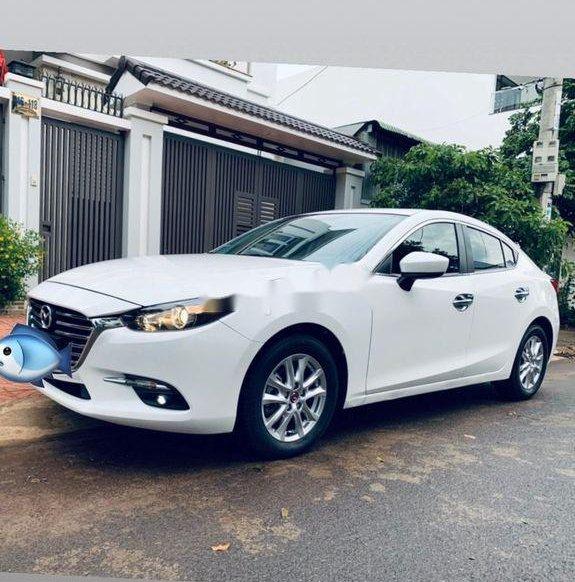 Cần bán lại xe Mazda 3 sản xuất năm 20180
