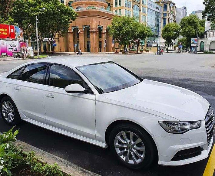 Cần bán xe Audi A6 1.8 TFSI đời 2017, màu trắng, xe nhập còn mới0