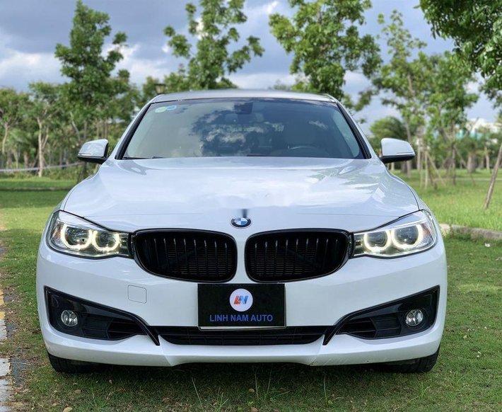 Cần bán gấp BMW 320i năm 2016, màu trắng, xe nhập0