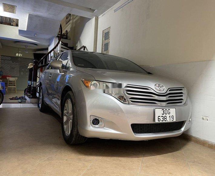 Cần bán Toyota Venza sản xuất năm 2009, màu bạc, nhập khẩu0
