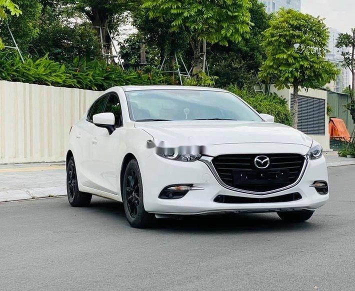 Xe Mazda 3 đời 2019, màu trắng chính chủ, giá chỉ 645 triệu0