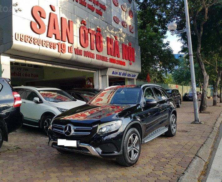 Sàn ô tô Hà Nội bán Mercedes GLC 250 bản 2.0 sản xuất năm 20170