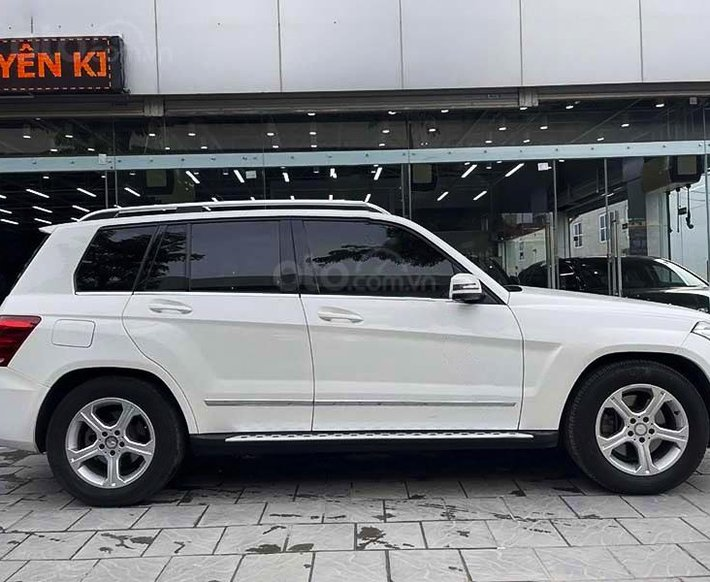 Bán Mercedes GLK 250 sx 2014, màu trắng còn mới0