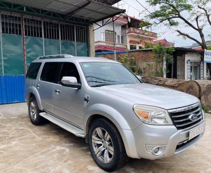 Bán Ford Everest năm sản xuất 2010, màu bạc, nhập khẩu số sàn0