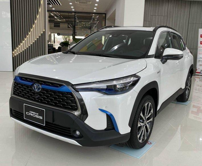 Toyota Corolla Cross 2021 đủ màu giao ngay0