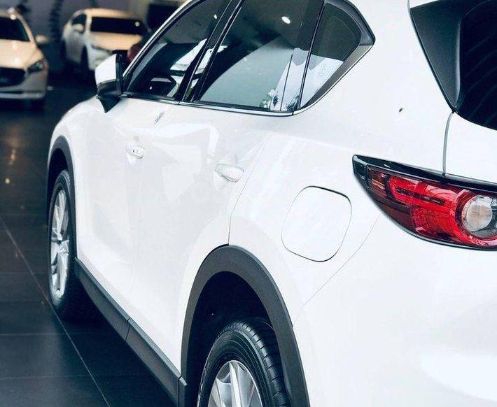 Cần bán xe Mazda CX 5 sản xuất năm 2021, màu trắng0