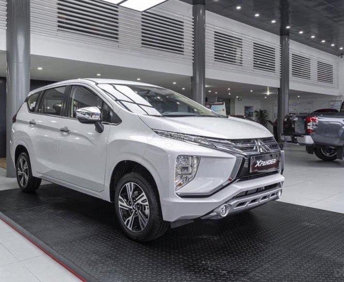 Mitsubishi Xpander - giá tốt nhất Hà Nội + tặng máy lọc k. Khí + ưu đãi 50% phí trước bạ trong tháng 7, đủ màu giao ngay0