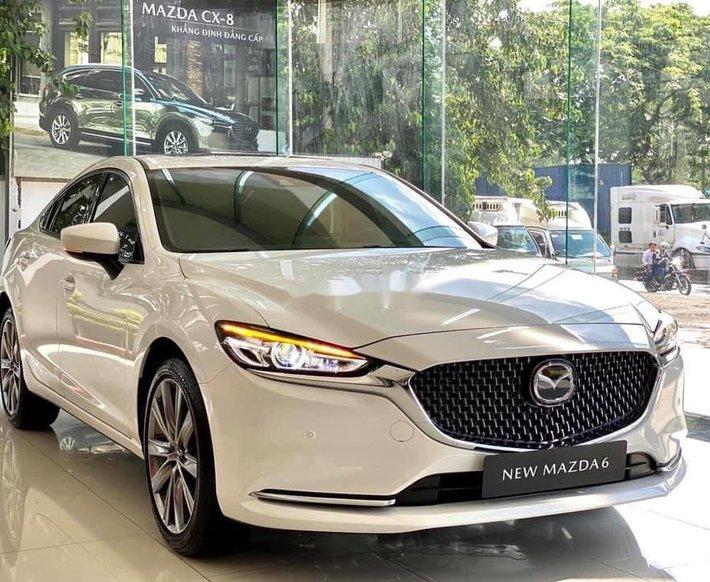 Bán ô tô Mazda 6 sản xuất năm 2021, màu trắng, giá tốt0