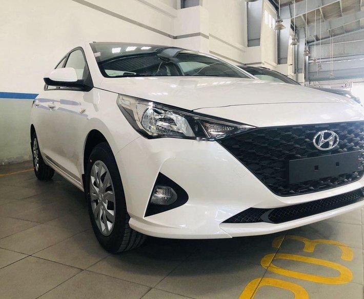 Bán ô tô Hyundai Accent sản xuất 2021, màu trắng0